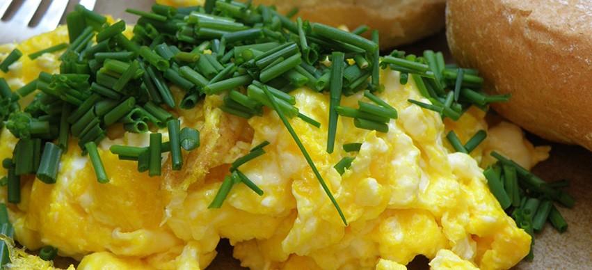 Low calorie Scrambled Eggs snack recipe