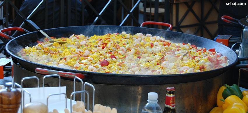 Rainy season Avoid Street Food