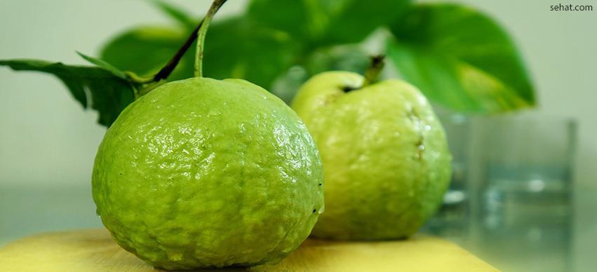 Guava-best low in sugar fruit for diabetes