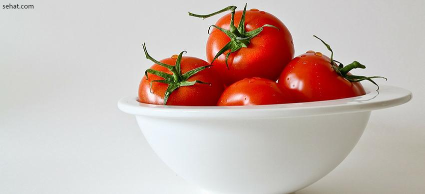 Tomatoes is a low calorie food for losing weight